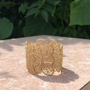 Lace motif bracelet